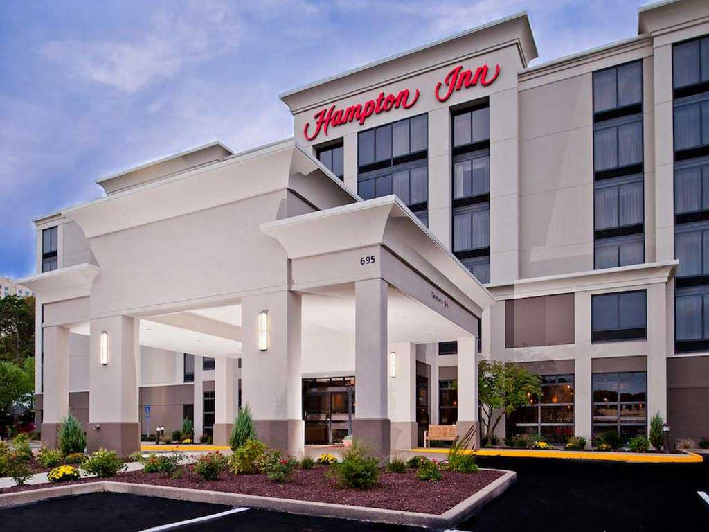 Hampton Inn - Shelton